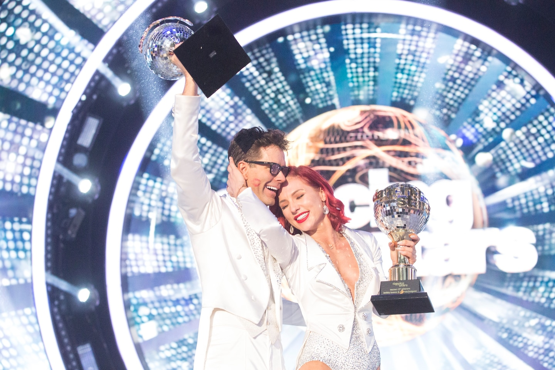 'Dancing With the Stars' finale shocker: Bobby Bones wins in major upset