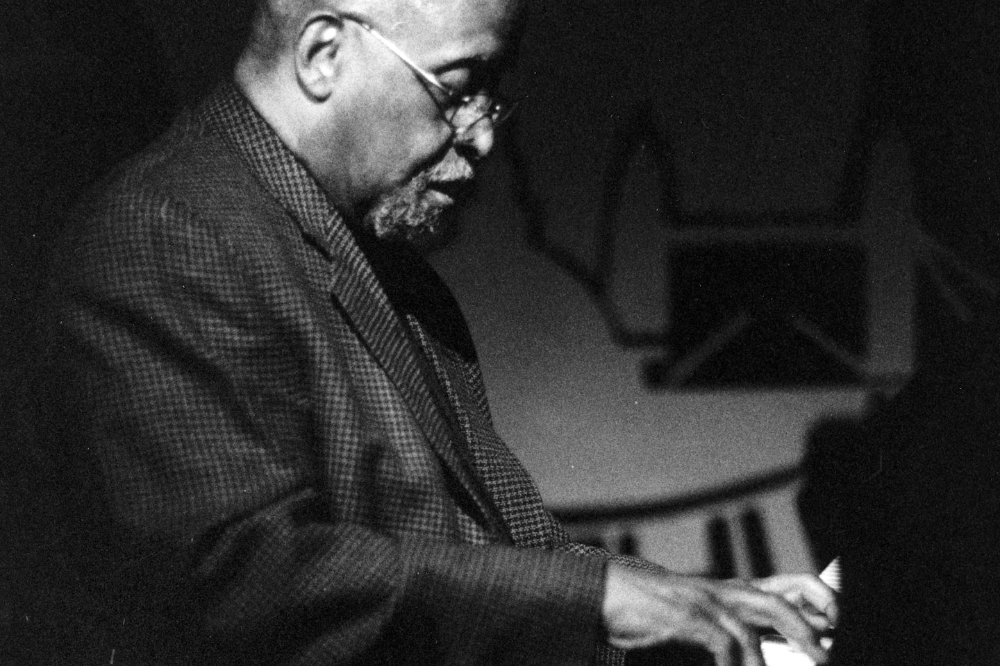 Junior Mance, jazz pianist whose chords were built on the blues, dies at 92