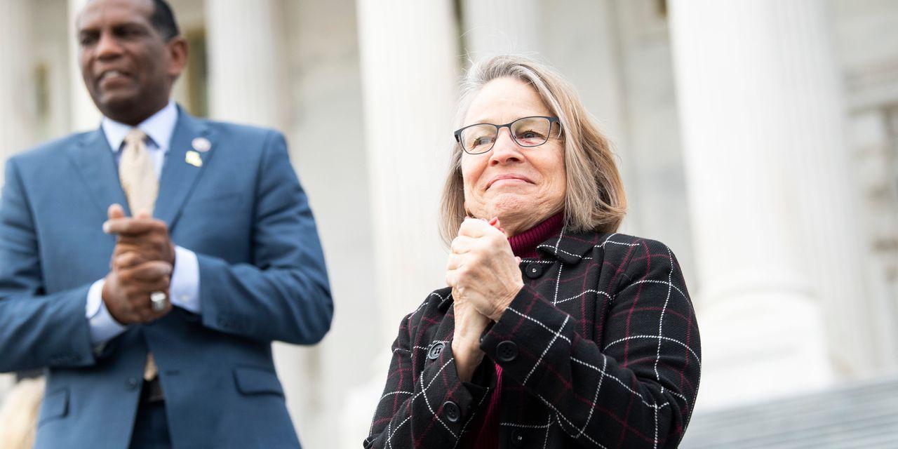 Pelosi Keeps Her Gunpowder Dry