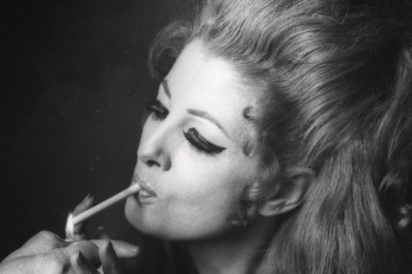 Tempest Storm, exotic dancer called 'The Last Queen of Burlesque,' dies at 93