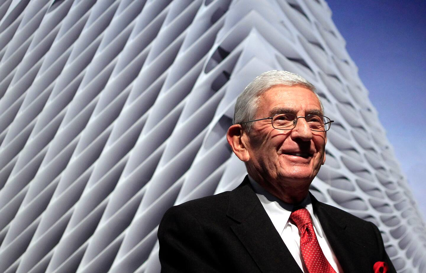 Eli Broad's deep generosity also revealed the downside of American-style cultural philanthropy