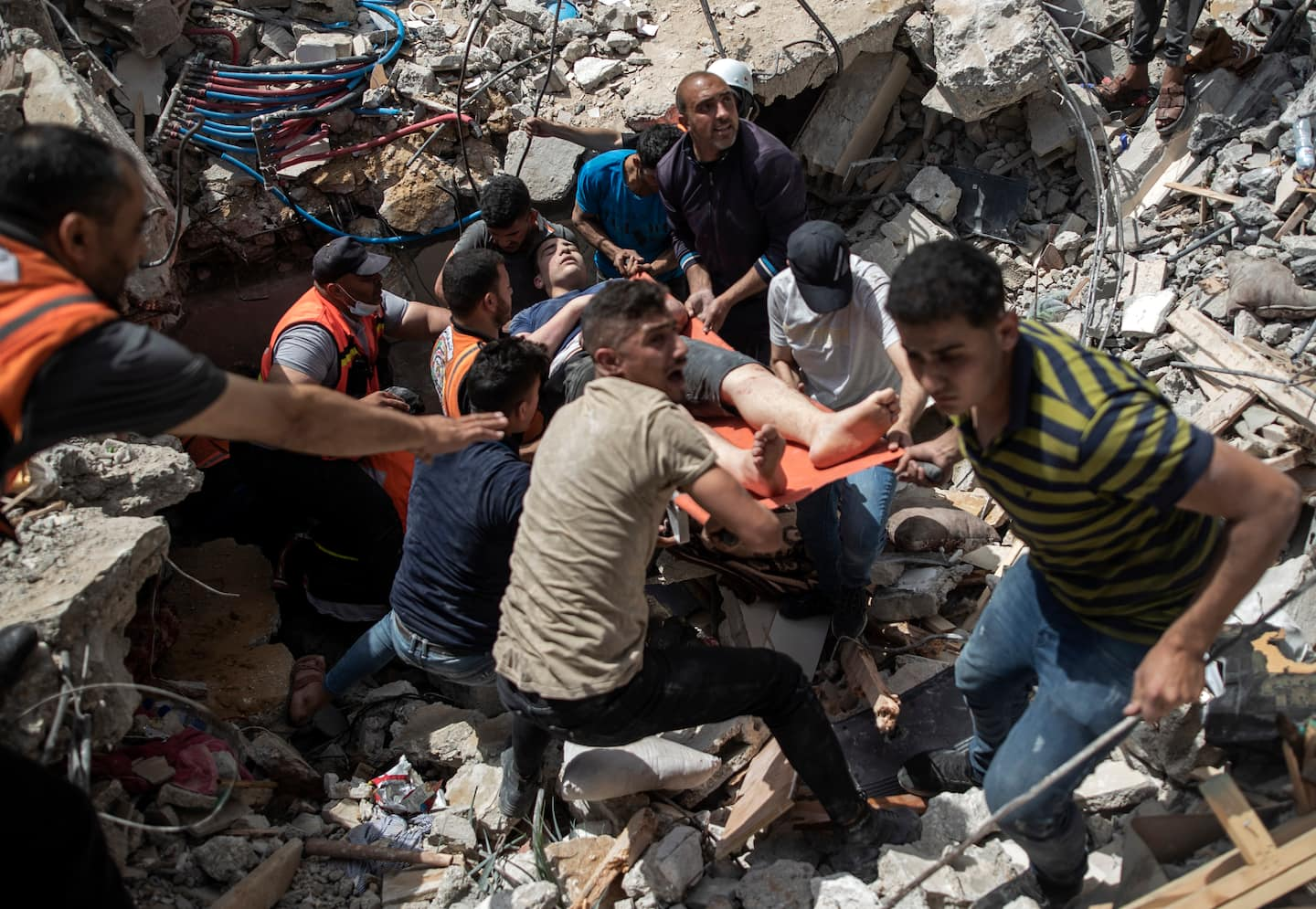 Israeli strikes kill 42, topple buildings in Gaza City